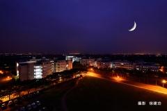 25-2睡在月亮旁-徐建功